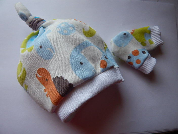 boys Premature babies hat n mitts Baby Dinosaur  3-5lb tiny baby hats