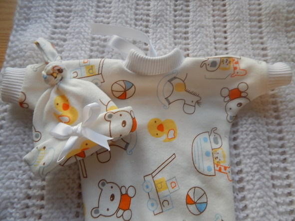Tiny baby bereavement clothes TOYS OF TENDERNESS miscarriage 20 - 21 weeks