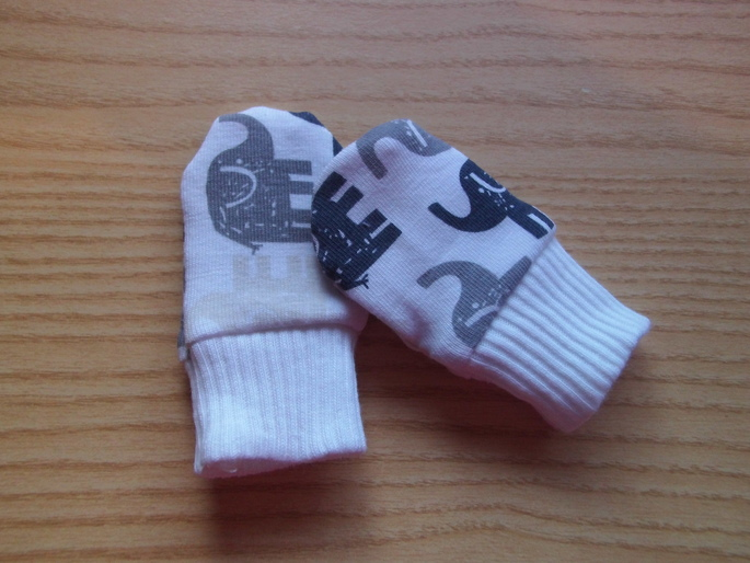 BOYS premature baby clothes accessories Mittens Grey elephants 3-5LB