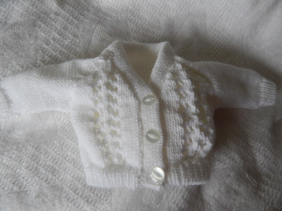 White baby bereavement clothes Knitted Cardigan SNOWDROP unisex born 24-25 weeks