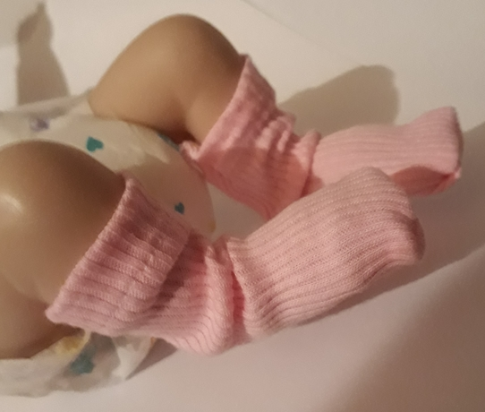 premature baby socks 2-3lb in pink Snuggies socks tiny babies