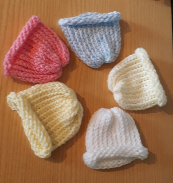 premature labour buy tiny baby clothes in 1-2lb size KNITTED HATS sweet pastels