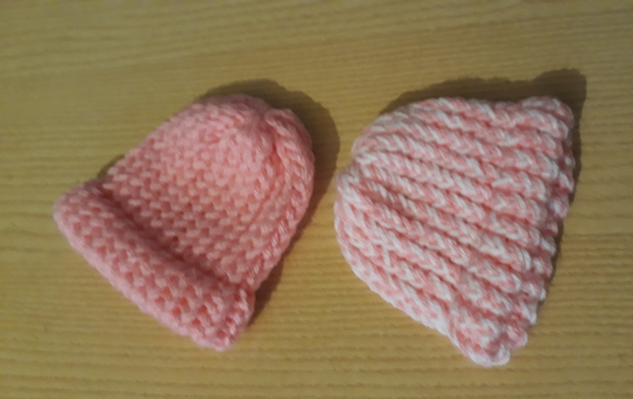 girls preterm size premature baby clothes CROCHET BEANIE HAT 2-3lb turn ups pinks