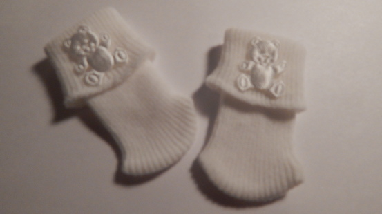 miscarriage baby loss bereavement clothes very TINY ted socks 0-1lb white