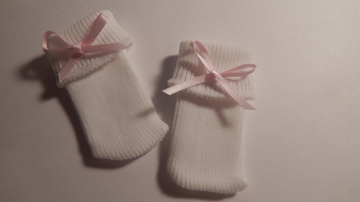 baby loss bereavement clothes smallest girls socks pink ribbon bow 1-2lb born 22-25 week