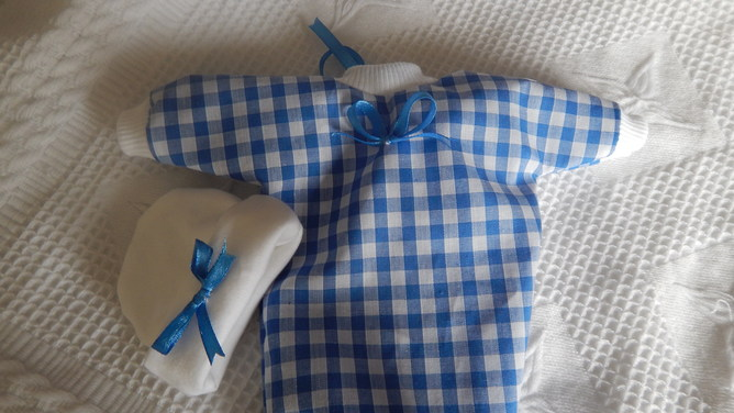 Tiny baby bereavement clothes  GOODNIGHT KISS miscarriage 20-22weeks pregnant