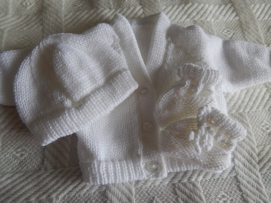 unisex baby bereavement clothes full CARDIGAN set White 2-3lb