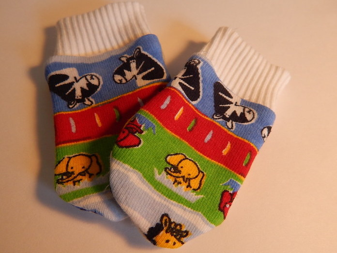 Boys premature baby clothes accessories Mittens BLUE SAFARI 3-5LB