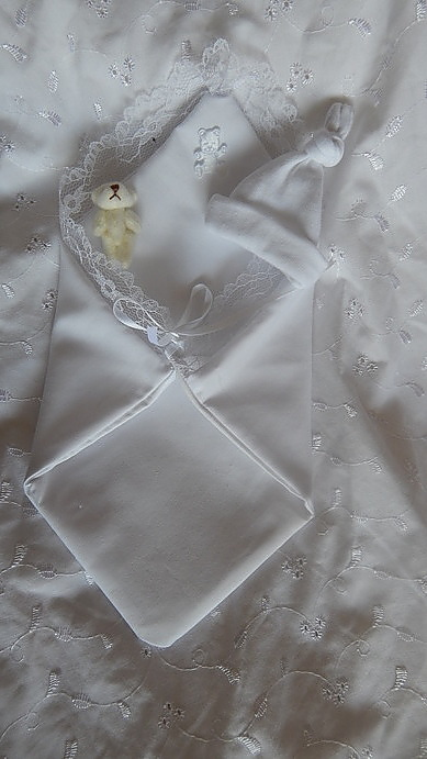 Complete fetal demise pouch angel baby born 16 -17 weeks WHITE bereavement pocket