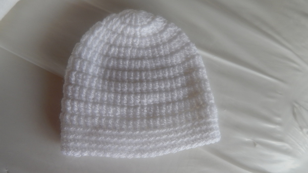preterm early baby hat CROCHET knit WHITE premature babies weighing 2-3lb