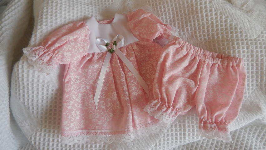 Premature baby burial dress tiny Bereavement 0-1lb BEAUTIFUL BABE 22-24 week
