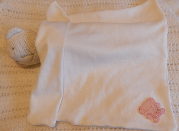 baby Girls bereavement blanket WELLIEPHANT babies born 22-24 week pink
