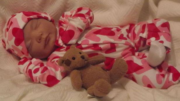 Nanny Nicu Tiny prem baby clothes BABY LOVE 5-8LB