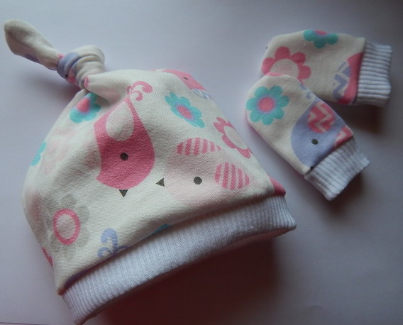 PREMATURE neonatal baby tie knot hat and mittensPASTEL BIRDIES 3lb - 5lb