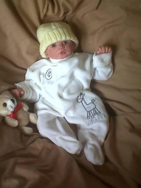 premature newborn babygrow white GIGGLE GIRAFFE tiny 3-5LB