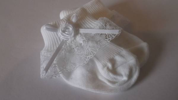 Tiny premature babies socks FRILLY My PETAL WHITE 5-8lb hand made in Uk