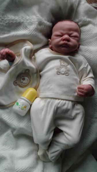 Premature baby clothes set  Designer C.J  cream  5-8lb