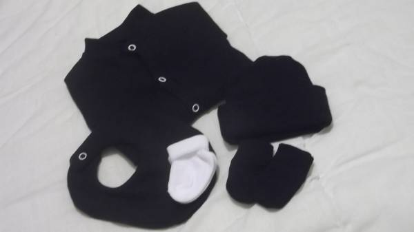 premature baby clothing Nanny Nicu 5 piece set BOYS with beanie 3-5lb