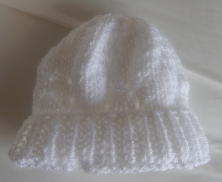 tiny preterm premature baby clothes 2-3lb knitted hat Crisp WHITE