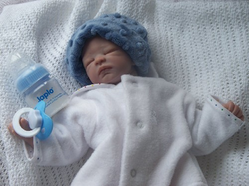 premature baby beanie hat DINKY DOO by TITCH BLUE 3-5LB.