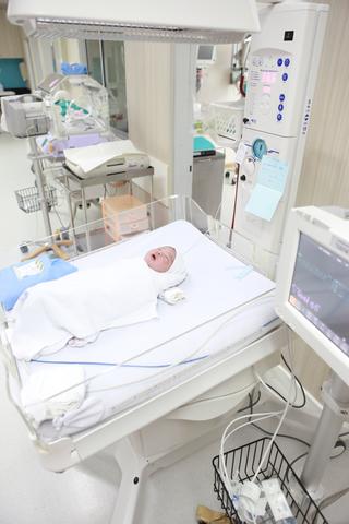 babies in the nicu units born premature