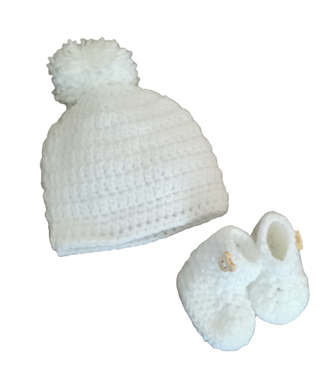 early baby accessories crochet baby hat babies shoes size 2-4lb WHITE