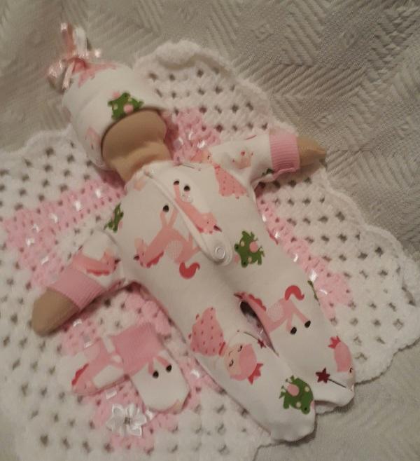 girls stillborn baby clothes bereavement service FRIENDLY FAIRYTALE born at 24 weeks