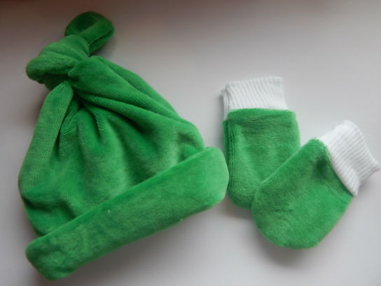 premature baby boys hat mittens set outdoor wear 3-5LB Velour green garden