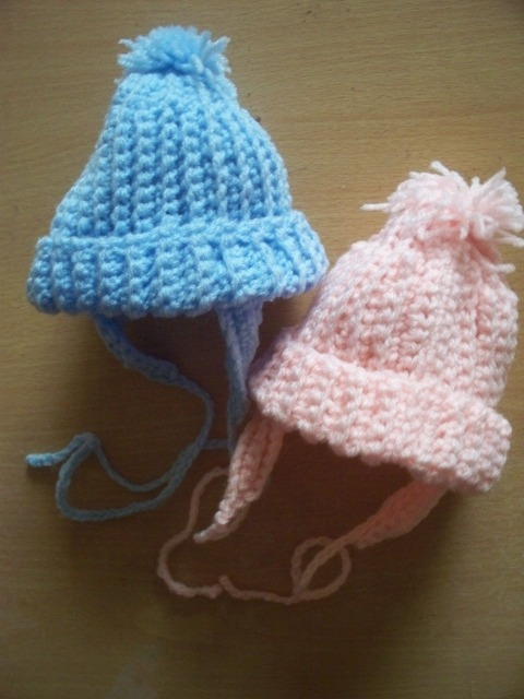 Titch premature baby hat 3-5lb crochered white or baby boat blue