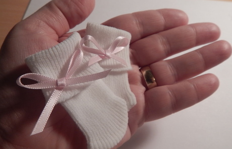 baby bereavement SOCKS bow pink born 20-22week