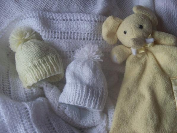 Soft premature baby hat  BOBBLE WHITE  or LEMON 2-3lb