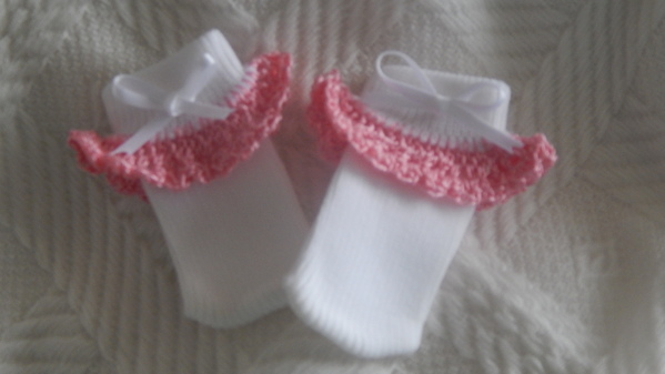pretty premature baby socks crochet trimming LIGHT PINK 2-3LB SIZE 00000