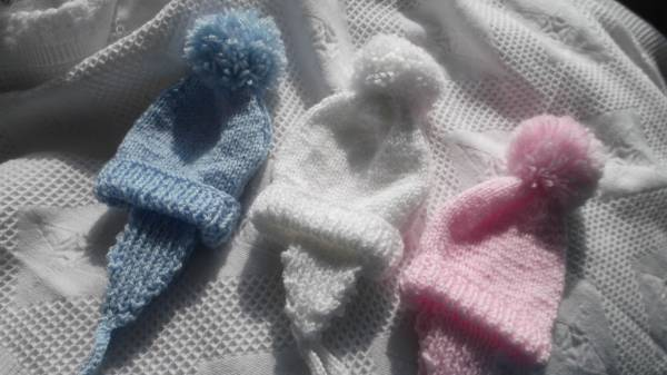 Premature clothes early Baby hat NELLY KNITS  3-5lb PINK BLUE OR WHITE