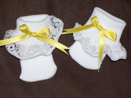 snuggies premature baby socks size 0000 lemon bow trim to fit baby weighing 3-5lb