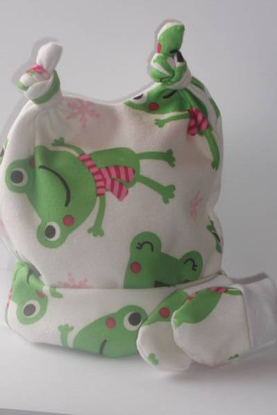 Snuggly early baby hats set premature babies hat  Friendly Froggie 3-5lb