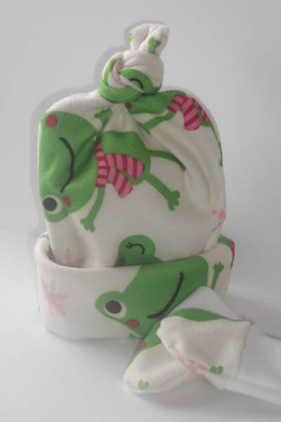 Snuggly premature baby hat set WARM Friendly Froggie 5-8lb