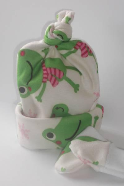 Snuggly premature baby hat set WARM Friendly Froggie 5-8lb