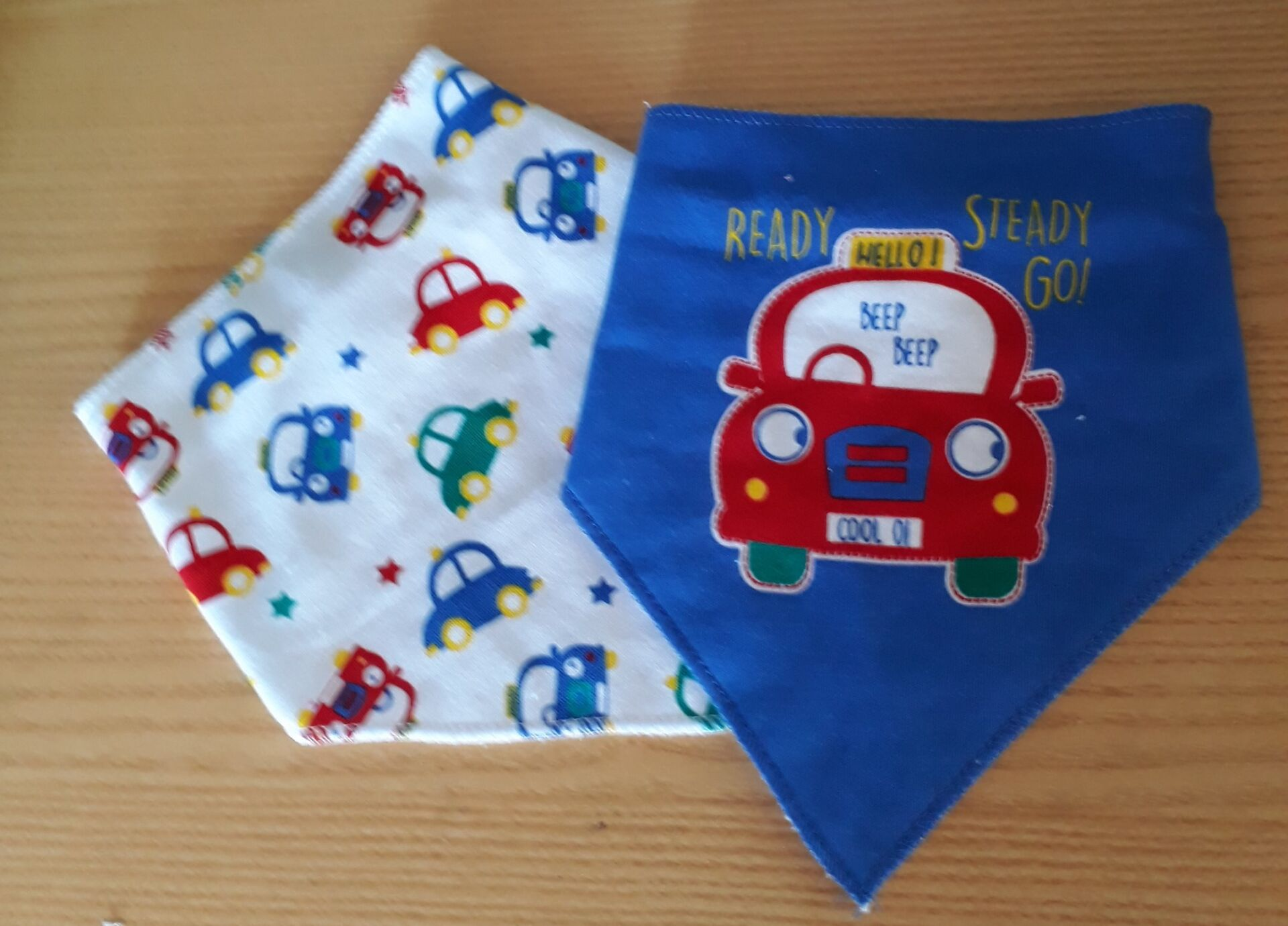 premature baby clothes pack two bibs CARS 4-8lb size