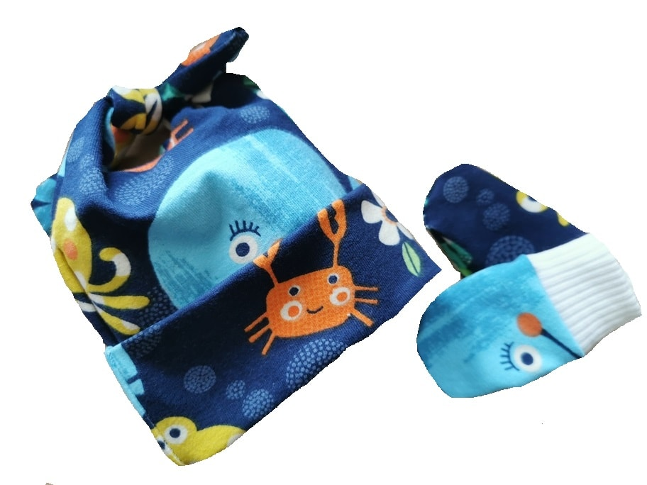 early baby clothes 2lb size 2-3lb hat n mittens UNDER DA SEA