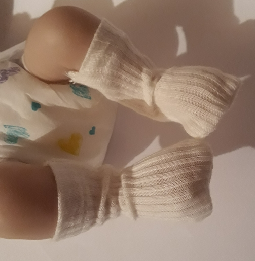 premature baby socks 2-3lb in cream Snuggies socks preemie babies