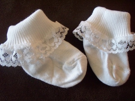 Snuggies Premature baby girls lace trim frilly socks 000 5-8lb+