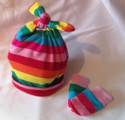 girls premature babies clothes hat And mittens preterm in 2-3lb SING A RAINBOW