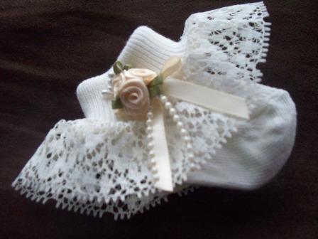 SNUGGIES premature baby girls socks CREAM Best of the Best 5-8LB 000