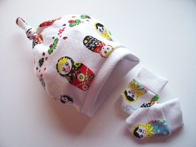 Premature baby hat ,tiny baby knot hat set  5-8lb RUSSIAN DOLLIES