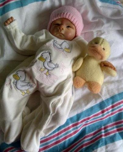 GIRLS tiny baby clothes baby grow 5-8lb SPLISH SPLASH DUCKLING