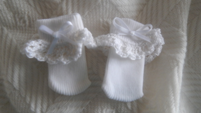 Tiny baby preemie premature socks 00000 2-3lb CROCHET TRIM white
